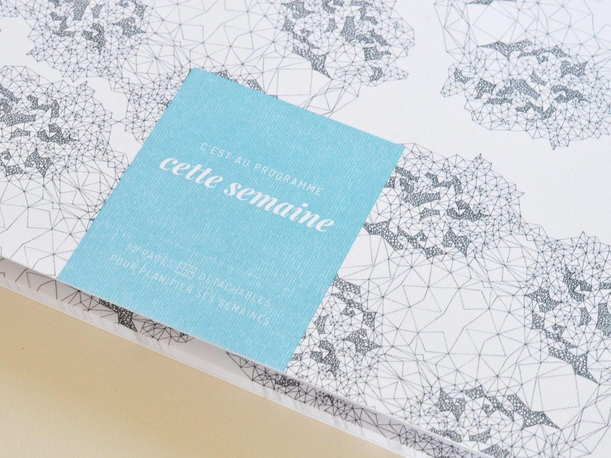 détail semainier motif abstrait, les manies de Marion, papeterie française haut de gamme