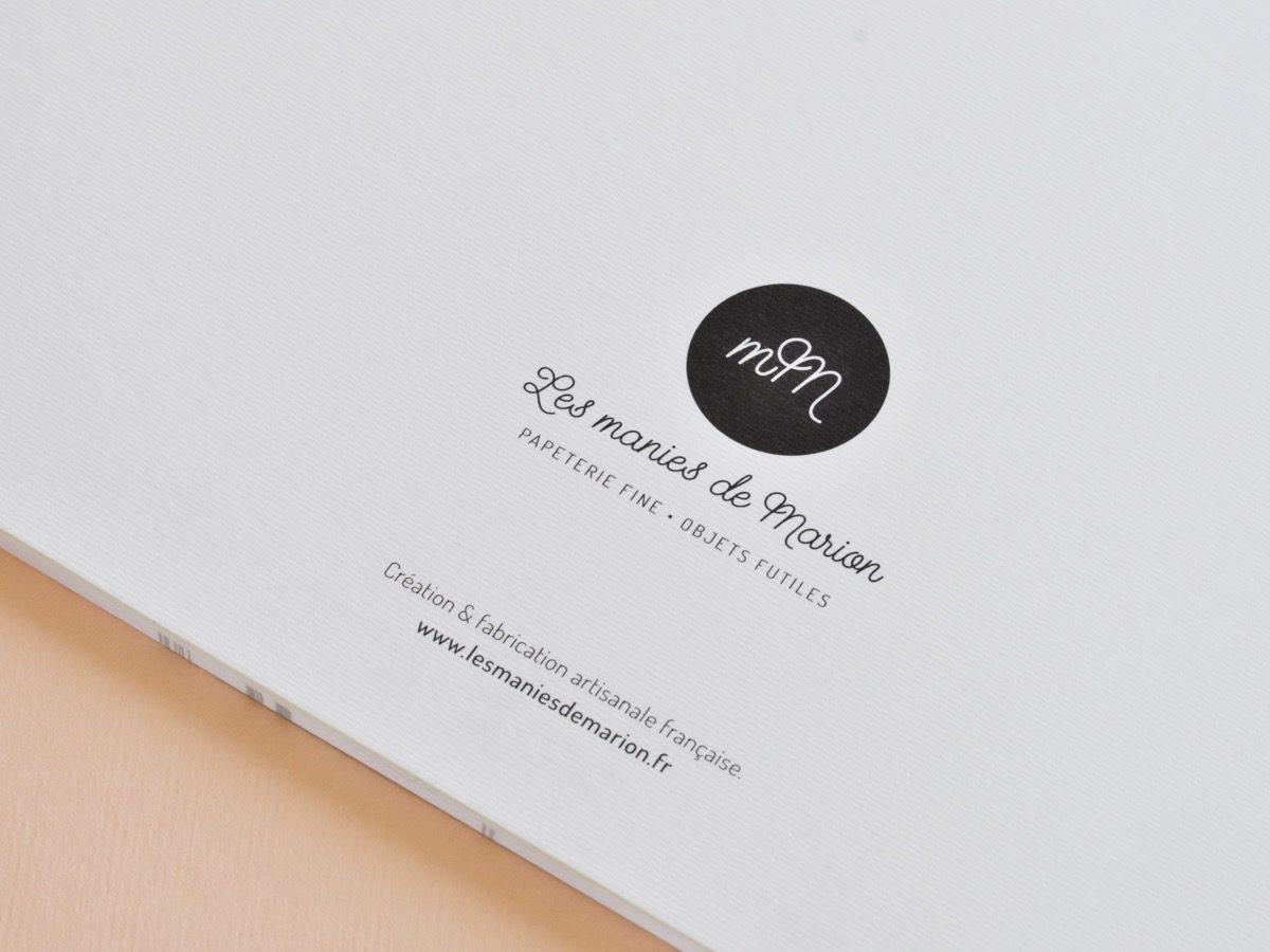 détail dos sets de table à colorier, les manies de Marion, papeterie française haut de gamme